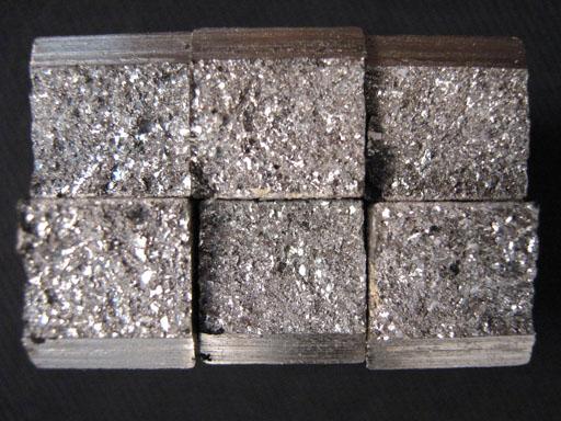 Ensaio de Impacto Charpy - Fratura Frágil - Fratura Cristalina Com Pouca Deformação